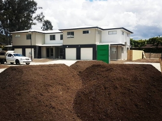 Gold Coast Bulk Landscape Supplies Underturf Soil delivered 6 days a week to your site