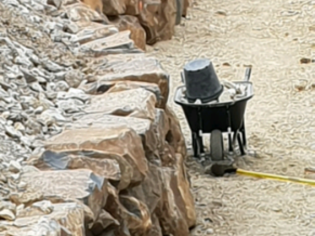 Rock walls construction by experianced wall builders, enquire today